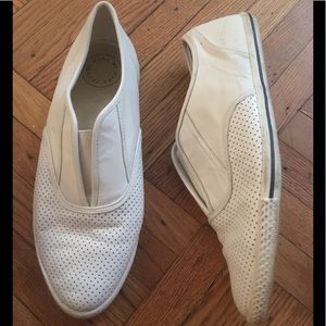 Marc by Marc Jacobs leather slip on sneaker!